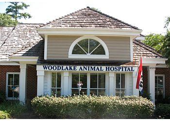 Oklahoma City veterinary clinic Woodlake Animal Hospital