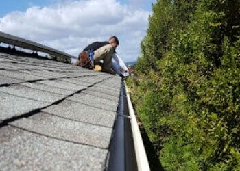San Diego gutter cleaner Woolley's Gutter Experts