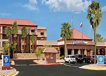 El Paso hotel  Wyndham El Paso Airport Hotel and Water Park