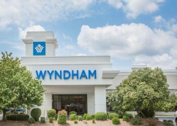 Wyndham Riverfront  Little Rock Hotels