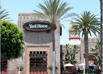 Irvine sports bar Yard House