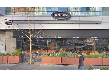 Los Angeles sports bar Yard House