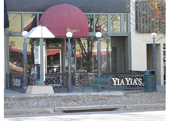 Lincoln pizza place Yia Yia's