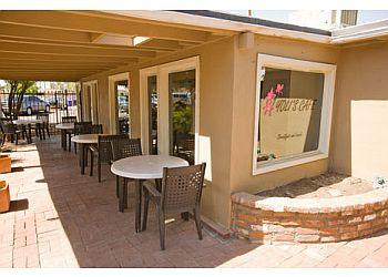 Yoli's Cafe