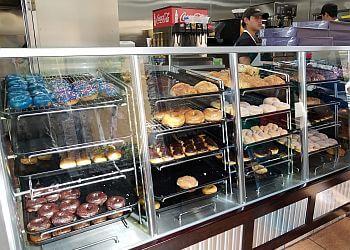 Chula Vista donut shop Yum Yum Donuts