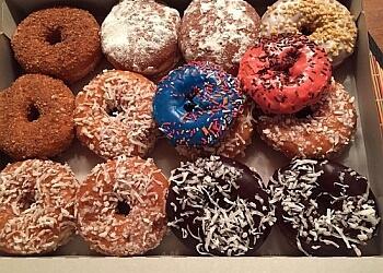 Glendale donut shop Yum Yum Donuts