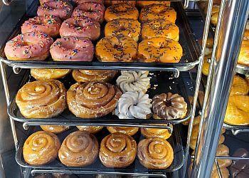 San Jose donut shop Yum Yum Donuts