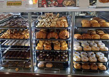 Santa Ana donut shop Yum Yum Donuts