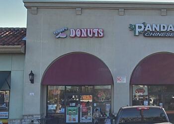 Fontana donut shop Yummy's Donuts