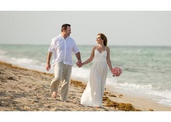 Hollywood wedding photographer Zoom Wedding Studio